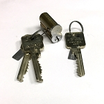 Medeco KeyMark X4 SFIC (small format interchangeable core) with 2 operating keys and 1 control key
